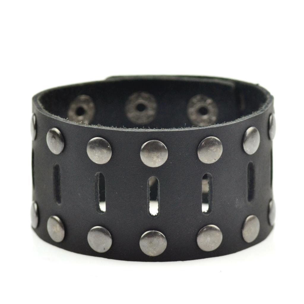 Настоящий мужской чёрный кожаный браслет с прорезями и металлическими шипами купить. Цена 240 грн