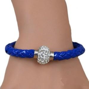 Красивый браслет «Блеск» плетёный косичкой с магнитной застёжкой со стразами купить. Цена 45 грн или 145 руб.