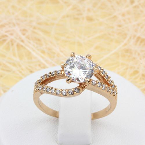 Красивое кольцо «Джульетта» классической формы с бесцветными фианитами и отличной позолотой купить. Цена 215 грн