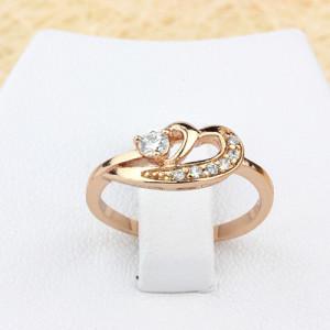 Романтичное кольцо «Влюблённость» с высококлассной позолотой и бесцветными фианитами купить. Цена 170 грн