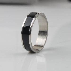 Серебристое кольцо «Gedeon» из нержавеющей стали со вставкой в виде чёрной полосы купить. Цена 165 грн