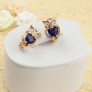 Модные серьги «Совушка» с синими камнями в форме сердца и золотым напылением фото. Купить
