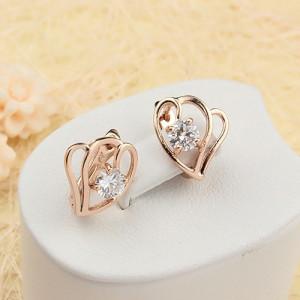 Молодёжные серьги «Свидание» в виде сердечек с одним камнем и качественной позолотой купить. Цена 155 грн или 485 руб.