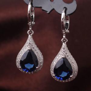 Бесподобные серьги «Эсферо» с крупным синим цирконом в форме капли и платиновым покрытием купить. Цена 290 грн