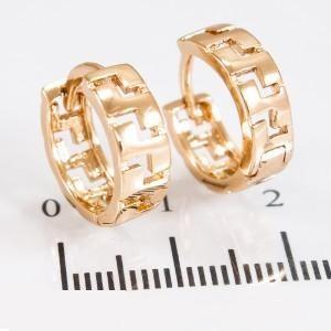 Повседневные серьги «Меандра» без камней с качественным золотым покрытием фото. Купить