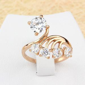Необычной формы кольцо «Салют» с бесцветными цирконами и 18-ти каратной позолотой купить. Цена 199 грн