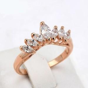 Популярное кольцо «Диадема» (бренд-ITALINA) в форме короны с камнями Сваровски и золотым покрытием купить. Цена 195 грн