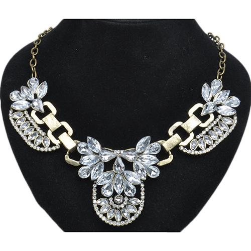 Массивное ожерелье «Матильда» в античном стиле с бесцветными камнями в металле под бронзу купить. Цена 235 грн
