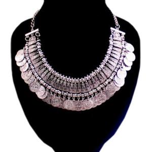 Восточное ожерелье «Фатима» с пластинами и монетками из серебристого металла купить. Цена 235 грн или 735 руб.