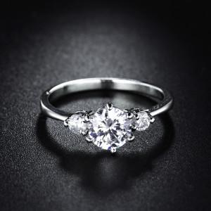 Отличное кольцо «Альбина» серебрянного цвета с блестящими цирконами и родиевым покрытием купить. Цена 175 грн