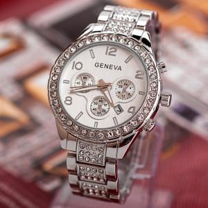 Серебристые часы «Geneva» с металлическим браслетом со стразами и окошком даты купить. Цена 399 грн