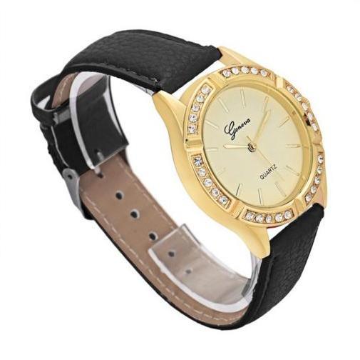 Повседневные часы «Geneva» с красивым золотым корпусом со стразами и чёрным ремешком купить. Цена 235 грн