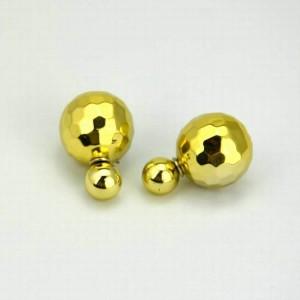 Золотистые серьги-матрёшки «Mise en DIOR» с одним гранённым шариком купить. Цена 69 грн