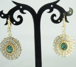 Праздничные серьги «Фландрия» с зелёным камнем в окружении из бесцветных страз в оправе под золото купить. Цена 135 грн
