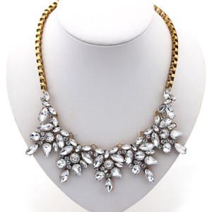 Массивное ожерелье «Альварадо» в винтажном стиле с крупными белыми камнями фото. Купить