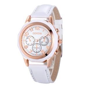 Белые часы «Geneva» в спортивном стиле с двухцветным корпусом и лаковым ремешком купить. Цена 185 грн