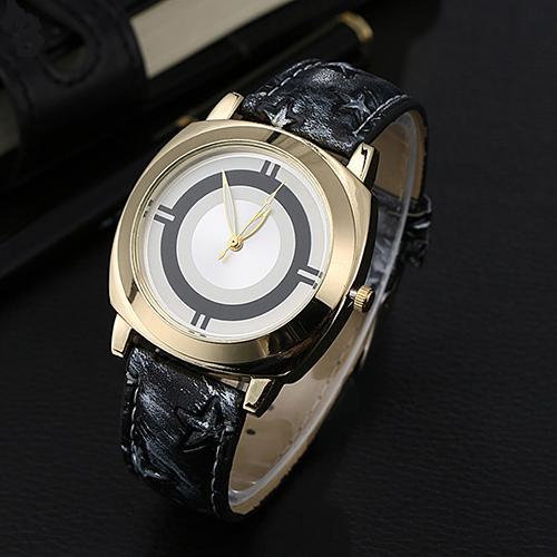 Модерновые часы «Loven's» с циферблатом без цифр и красивым чёрным ремешком купить. Цена 175 грн