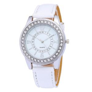 Традиционные женские часы белого цвета с серебристым корпусом в стразах фото. Купить
