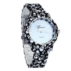 Эпатажные часы «Geneva» чёрного цвета с изображением «Весёлого Роджера» фото. Купить